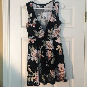 Floral Dress Black-Forever21-Never Worn